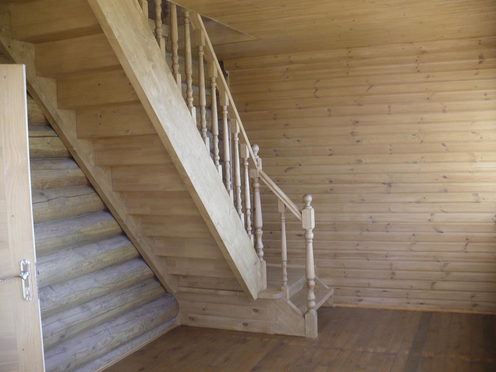 Лестница на второй этаж в дачном домике своими руками фото