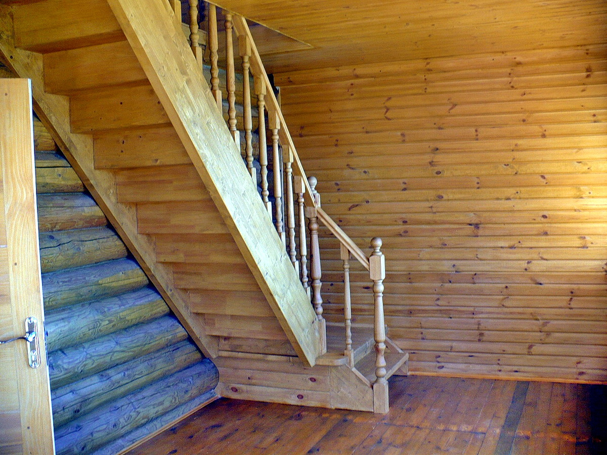 Как сделать лестницу на улице в баню
